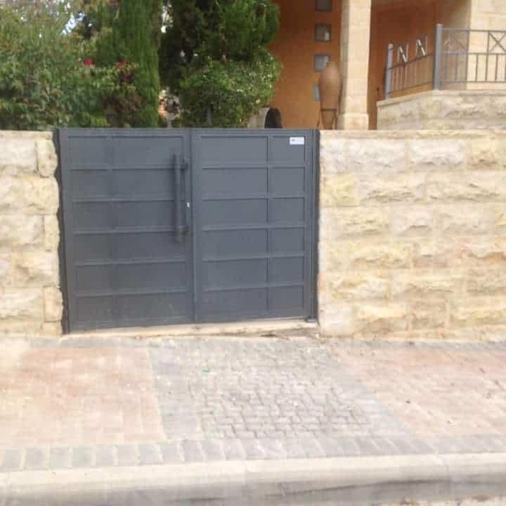 שער מעוצב לחצר הבית