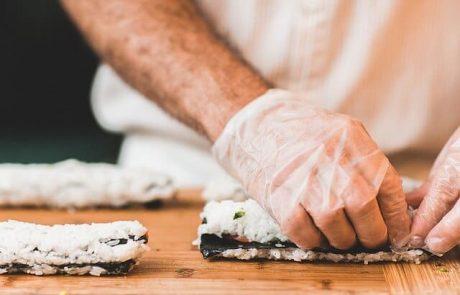 סדנאות סושי– לומדים להכין סושי בבית